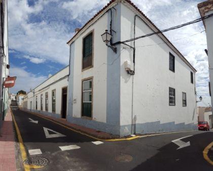 Venta Y Alquiler De Pisos Casas Chalets Locales Garajes En Santa
